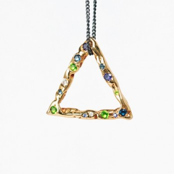 Pendant - Gold-plated silver of a triangular shape with stones
